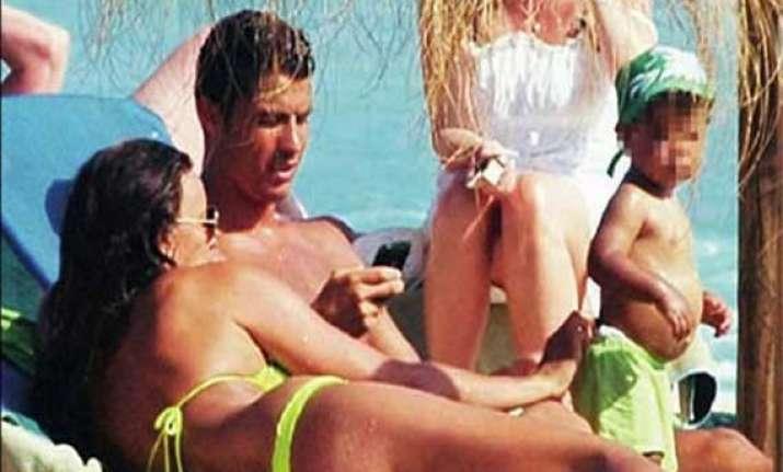watch ronaldo getting cozy with sexy model girl friend
