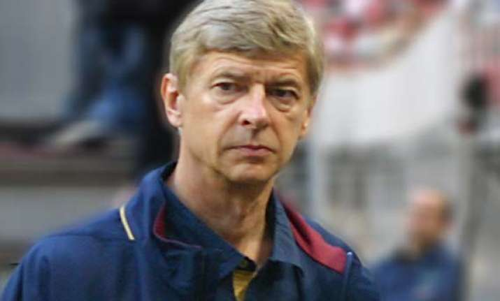 wenger interested in italian striker