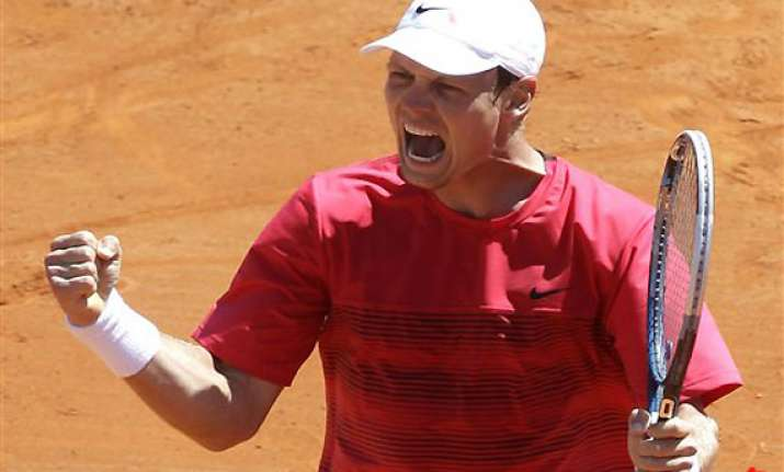 berdych beats murray to reach masters semifinals
