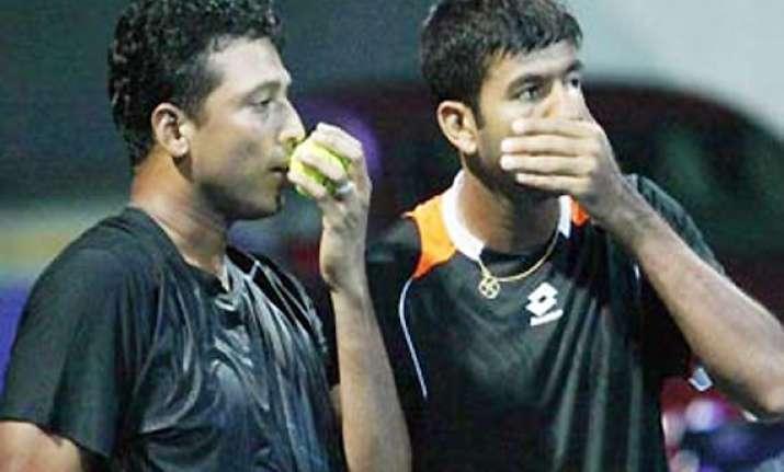 bhupathi bopanna enter semis of world tour finals