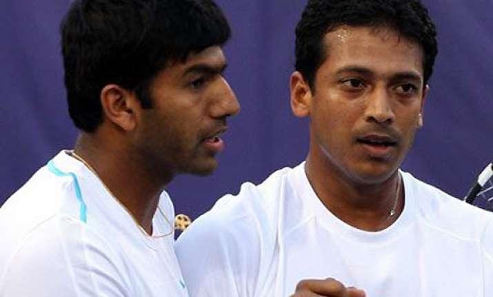 bhupathi bopanna survive scare enter doubles quarters