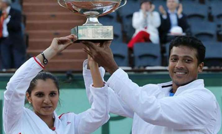 bhupathi sania win maiden french open mixed doubles title