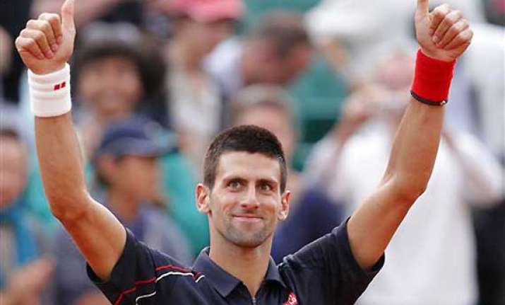 djokovic advances to 4th round at french open