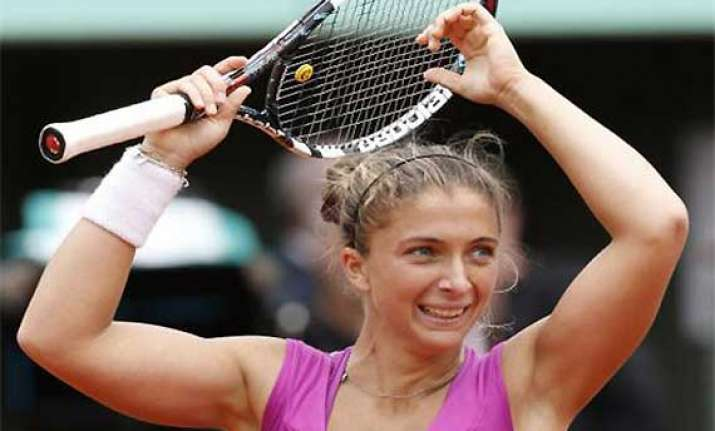 errani tops stosur to reach french open final