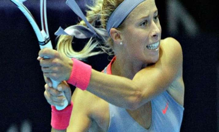 fed cup czechs rally to beat spain reach semis