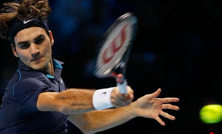federer routs rival nadal 6 3 6 0 at atp finals