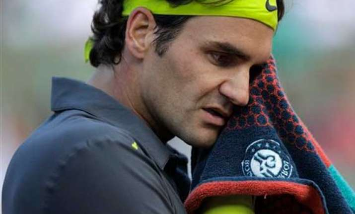 federer to face lucky loser who keeps winning