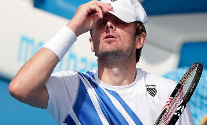 fish loses to falla in 2nd round at aussie open