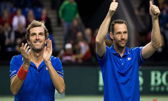 france takes 2 1 lead over canada in davis cup
