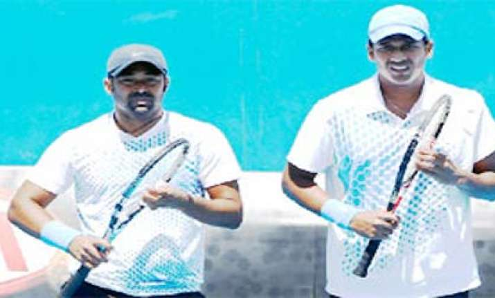 french open paes bhupathi enter second round