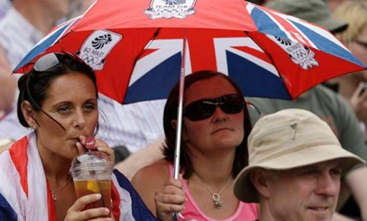 hewitt loses australian men blanked at wimbledon