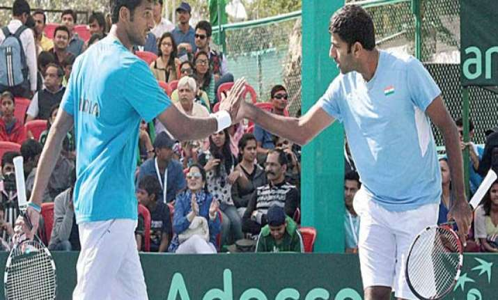 india takes 2 1 lead in davis cup