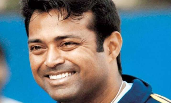 still learning tennis from hingis says paes