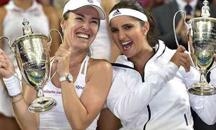 pm modi congratulates sania mirza on wimbledon win