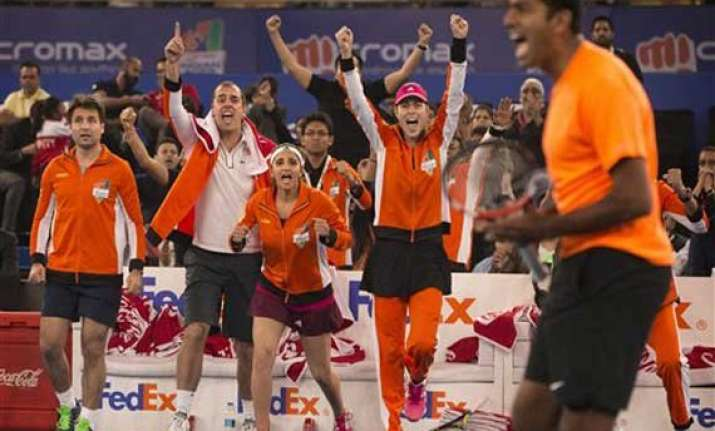 iptl aces win thriller in promising india leg debut