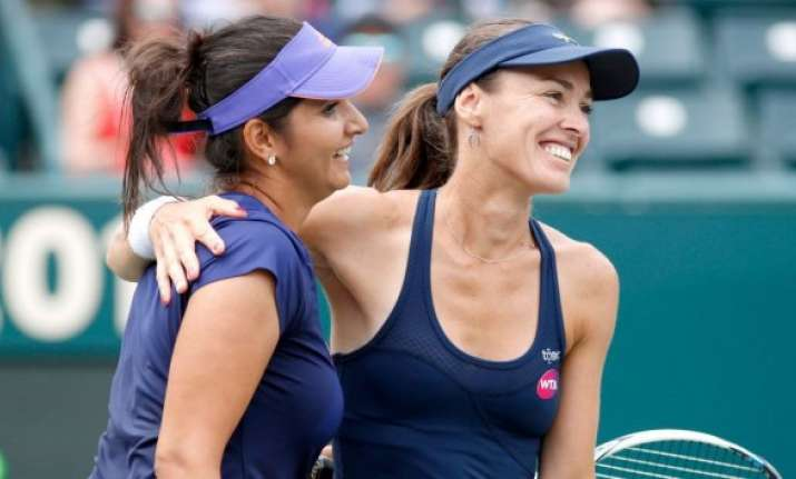 sania in semifinals bopanna crashes out in rome