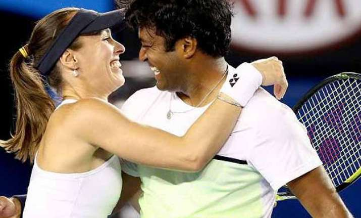 wimbledon paes hingis cruise into mixed doubles quarters