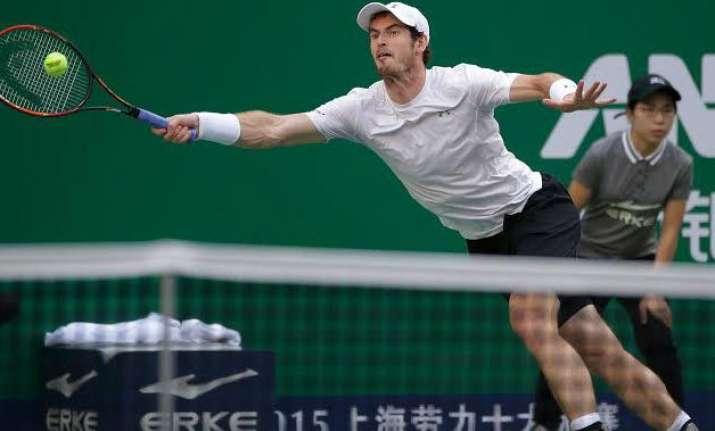 andy murray beats john isner to reach shanghai masters