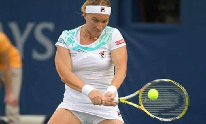 kuznetsova barely manages to win miami first round