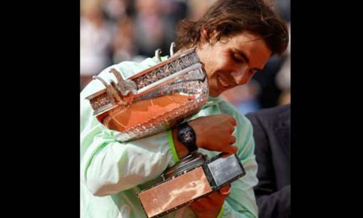 wins for nadal djokovic and cilic at queen s