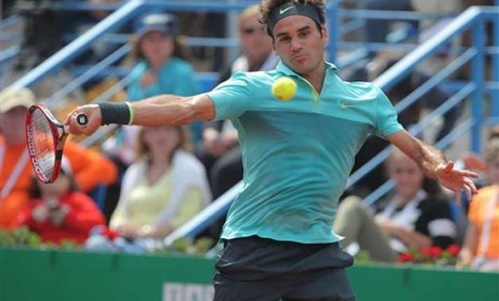 federer advances to istanbul open final