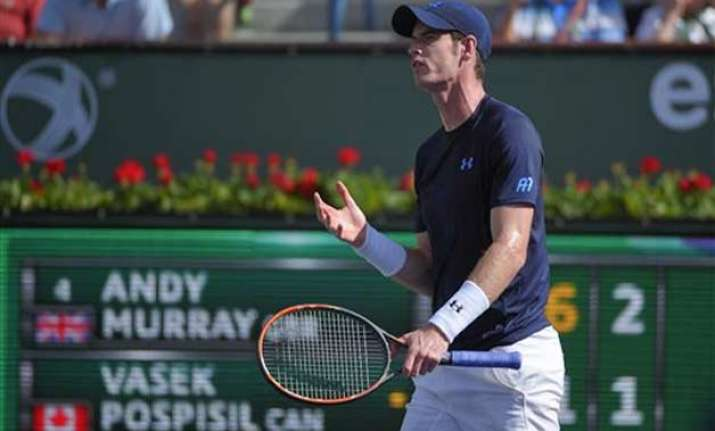 murray reaches 4th round wozniacki upset at indian wells