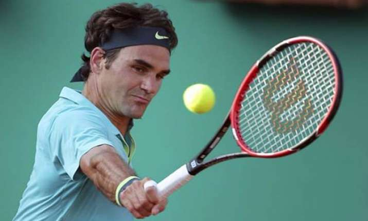 roger federer wins istanbul open in straight sets
