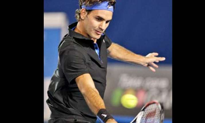 federer sets up swiss indoors final with djokovic