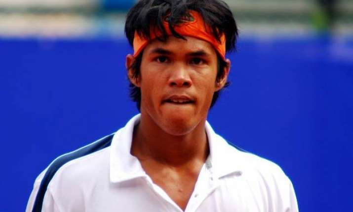 somdev reduces junk food hires new coach to regain form