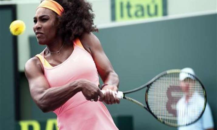 serena williams easily wins opening match at miami open