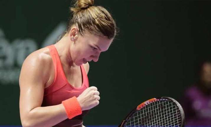 simona halep routs pennetta in opening match at wta finals