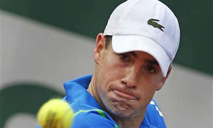 isner advances to 4th round at french open