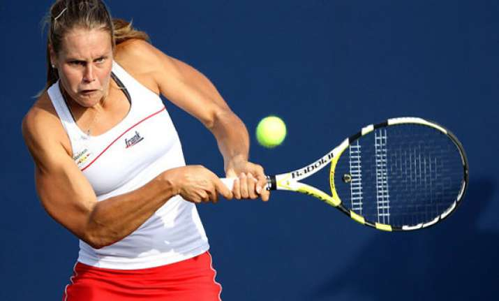 italy take 2 0 lead over us in fed cup
