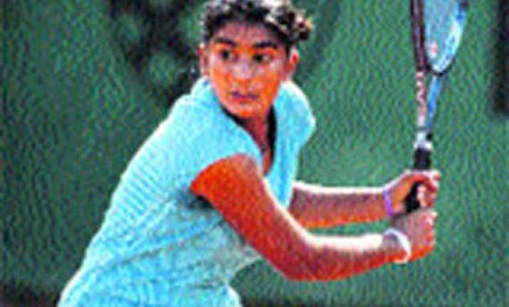 kannan mor lift titles in central excise tennis