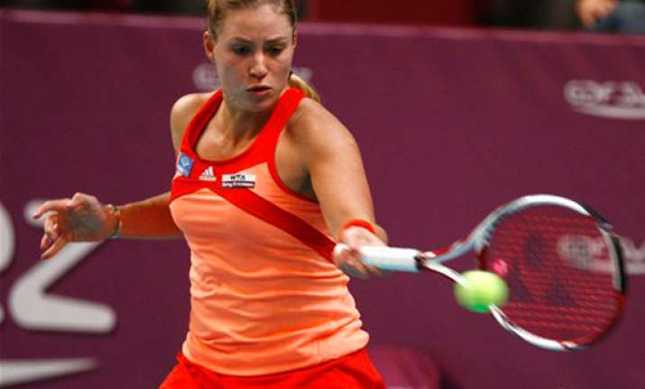 kerber stuns sharapova to reach paris semifinals