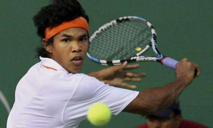 kolkata atp challenger somdev devvarman advances to 2nd