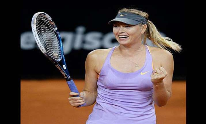 maria sharapova beats sara errani to reach third straight