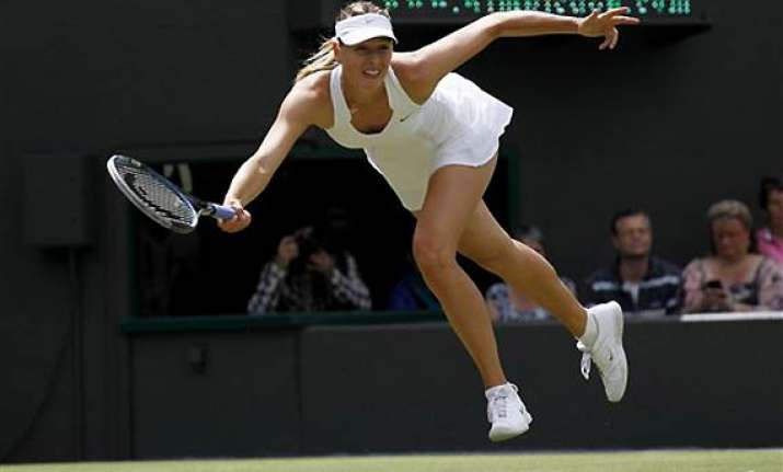 maria sharapova enters round three