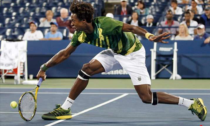 monfils moves on at us open