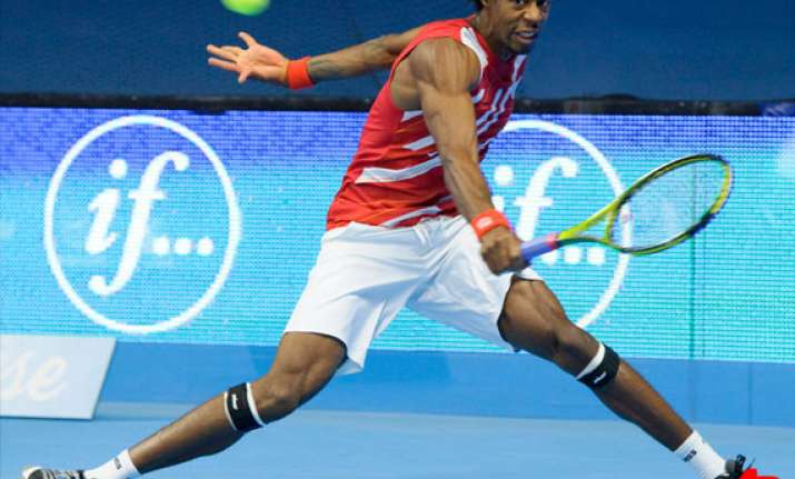 monfils reaches semifinals in stockholm