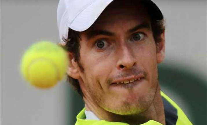 murray advances to 2nd round at french open
