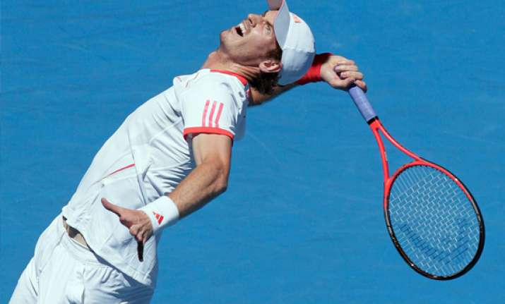 murray through to quarterfinals at australian open