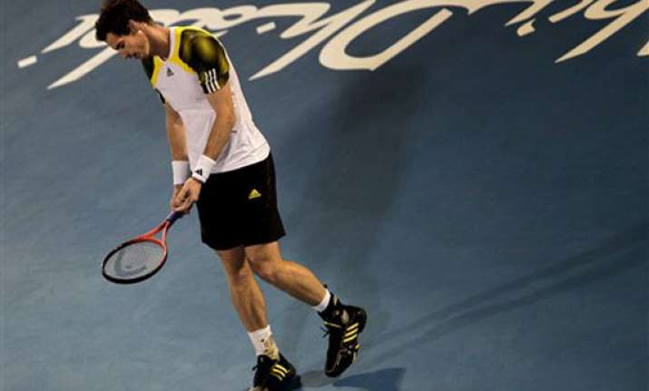 murray loses to tipsarevic in abu dhabi