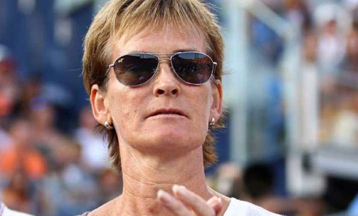 murray s mother to captain britain in fed cup