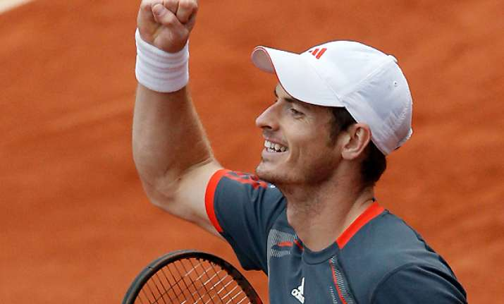 murray soars above boobirds for french open win