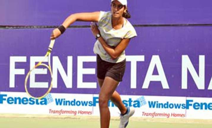 national tennis top seed shweta advances