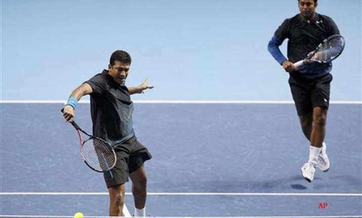 paes bhupathi suffer defeat in atp world tour finals