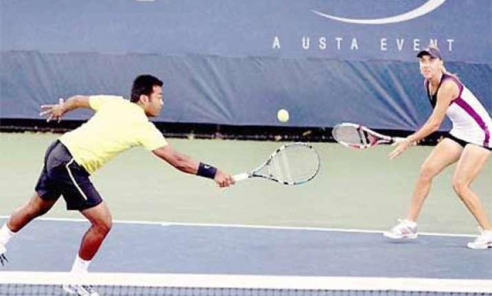 paes vesnina in australian open mixed doubles final