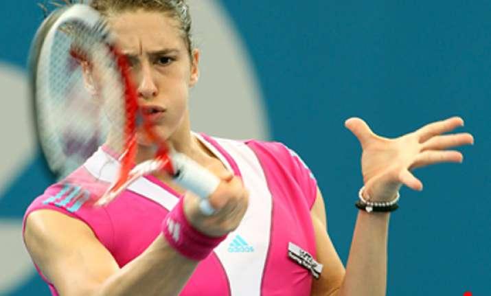 petkovic wins 2nd round match at brisbane