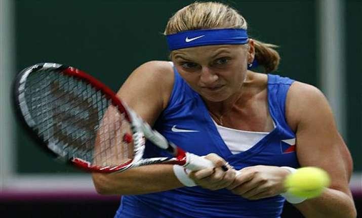 petra kvitova beaten in 1st major upset at porsche grand